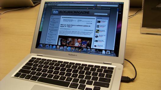 Macbook Air aberto: clique para ampliar